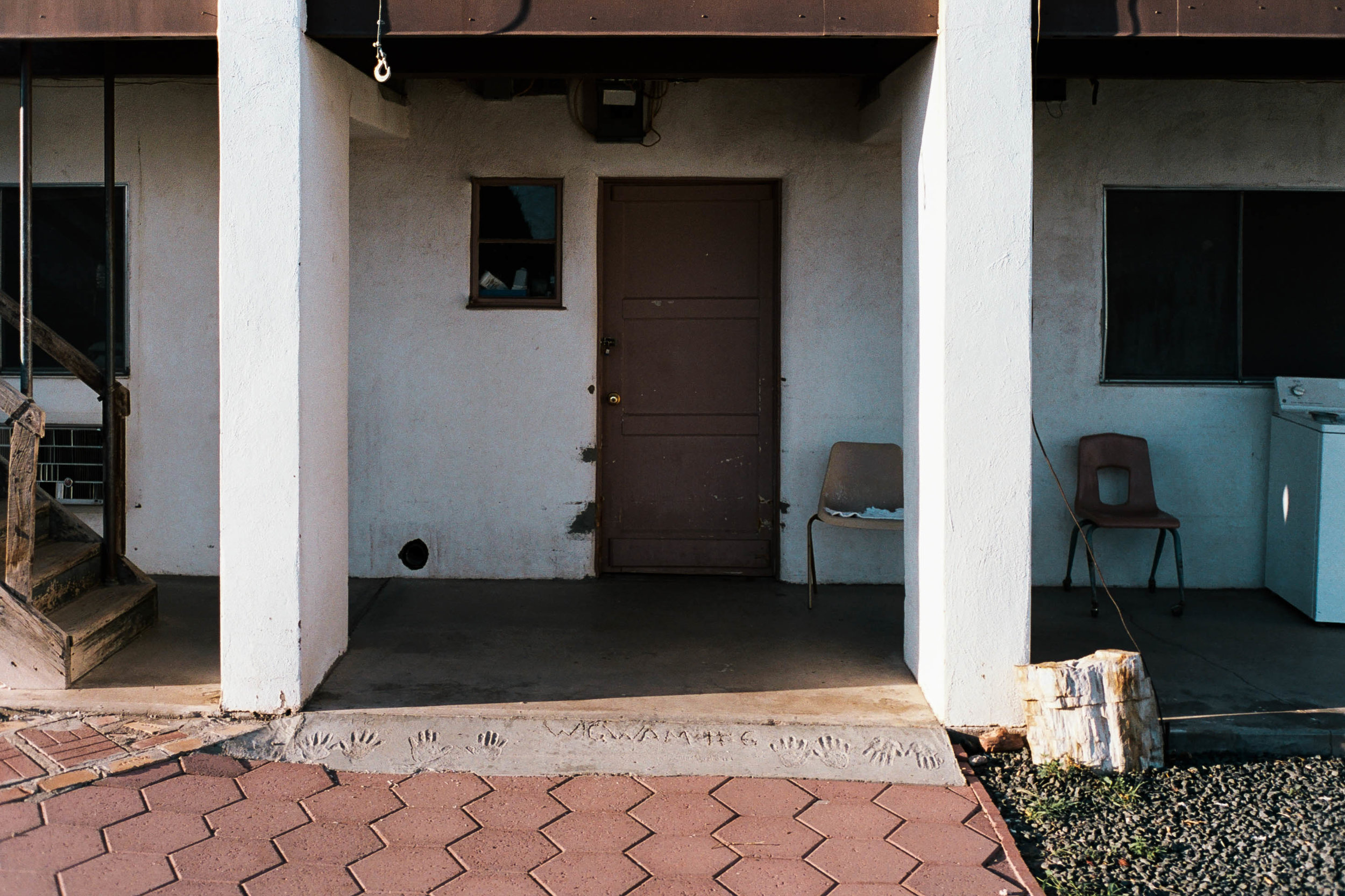 nate-matos-arizona-motel-11.jpg