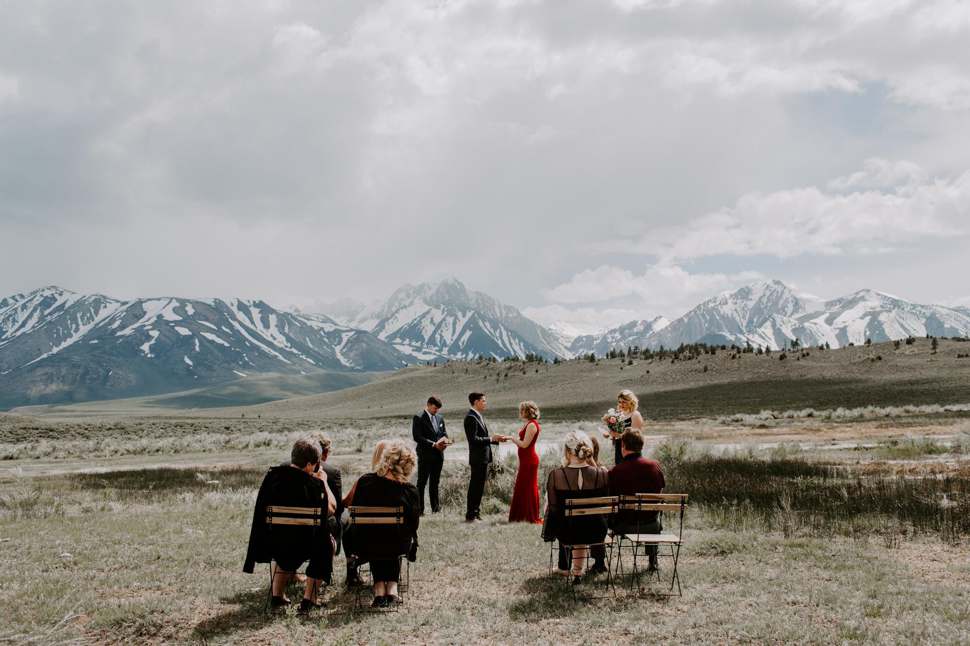 mammoth lakes intimate wedding.jpg