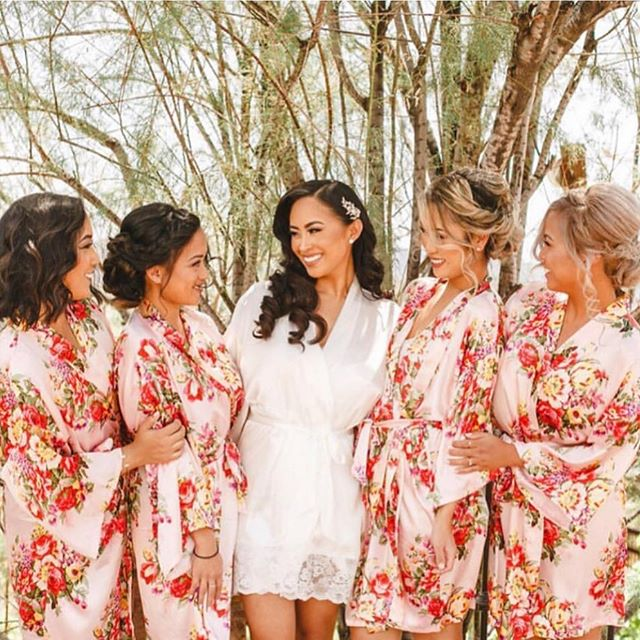 Zoom in for detail on the textured hairstyles for these bridesmaids 💕💕 Braids, twists, and soft curls inspired their look 🍃 ... and of course getting ready/robe shots are my favorite! Hair and Makeup on Bride + Bridal Party by @MDHairandMakeup Team. •⠀⠀⠀⠀⠀⠀⠀⠀⠀ ⠀⠀⠀⠀⠀⠀⠀⠀⠀ ⠀⠀⠀⠀⠀⠀⠀⠀⠀ •⠀⠀⠀⠀⠀⠀⠀⠀⠀ ⠀⠀⠀⠀⠀⠀⠀⠀⠀ ⠀⠀⠀⠀⠀⠀⠀⠀⠀ •⠀⠀⠀⠀⠀⠀⠀⠀⠀⠀⠀⠀⠀⠀⠀⠀⠀⠀ #MakeupArtist #Hairstylist #Hairstyles #LauraG_143 #AnastasiaBeverlyHills #Vegas_Nay #DressYourFace #DesiMakeup #JaclynHill #Chrisspy #iLuvSarahii #Amrezy #Brian_Champagne #HudaBeauty #GhalichiGlam #WakeupandMakeup #LookaMillion #LivingWithGratitude #Wedding #Weddings #Bride #BridalGlow #BridalParty #Bridesmaid #GlamSquad #WeddingDay #MDHairandMakeup #stylemepretty #weddingphotography