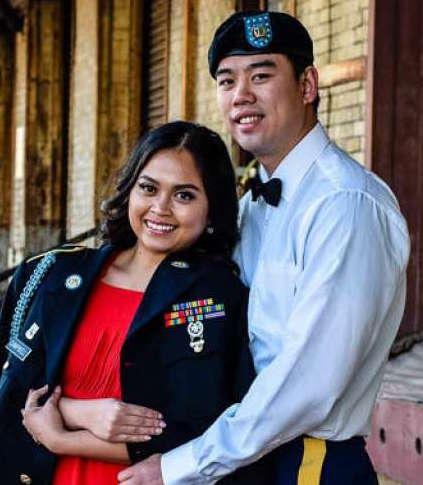 Officer Hans Campbell and fianceé;  Photo: via www.chron.com