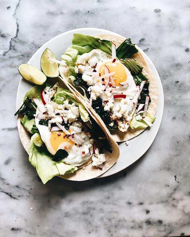 Veggie breakfast tacos are up on @localrootsnyc just in time for taco Tuesday! 🌮 These took me less than 15 minutes to make and are SO easy. Head to the link in my bio for the recipe. #localroots #farmshare