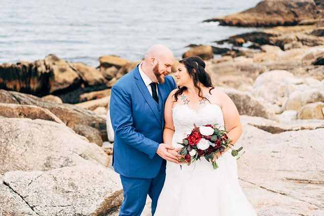 Congratulations Samantha & Jason ❤️ Thank you for having me capture your beautiful day! . . . #halifax #chasinglight #halifaxweddingphotographer #darlingweekend #weddinginspo #halifaxweddingphotographers #halifaxphotographer #weddingphotography #halifaxweddings #shesaidyes #postthepeople #brideandgroom #weddingstyle #weddingplanning #soloverly #weddingwire #ohwowyes #weddingportraits #weddingideas #pursuepretty #portraitkillers #weddingdress #theknot #weddingflowers #risingtidesociety #weddingchicks #flashesofdelight #countrywedding #destinationweddingphotographer #petitejoys