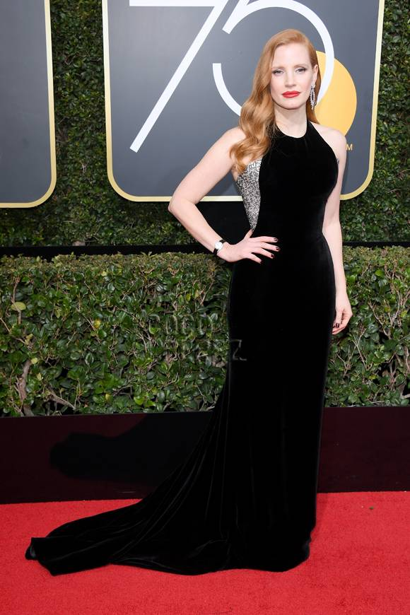 jessica-chastain-golden-globes-2018-red-carpet__oPt.jpg