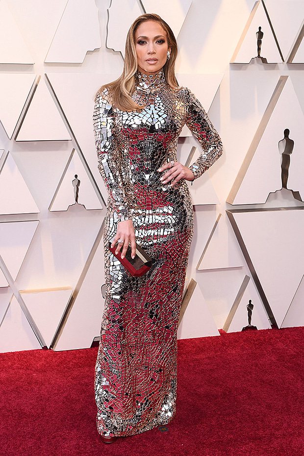 jennifer-lopez-2019-oscars-red-carpet-embed.jpg