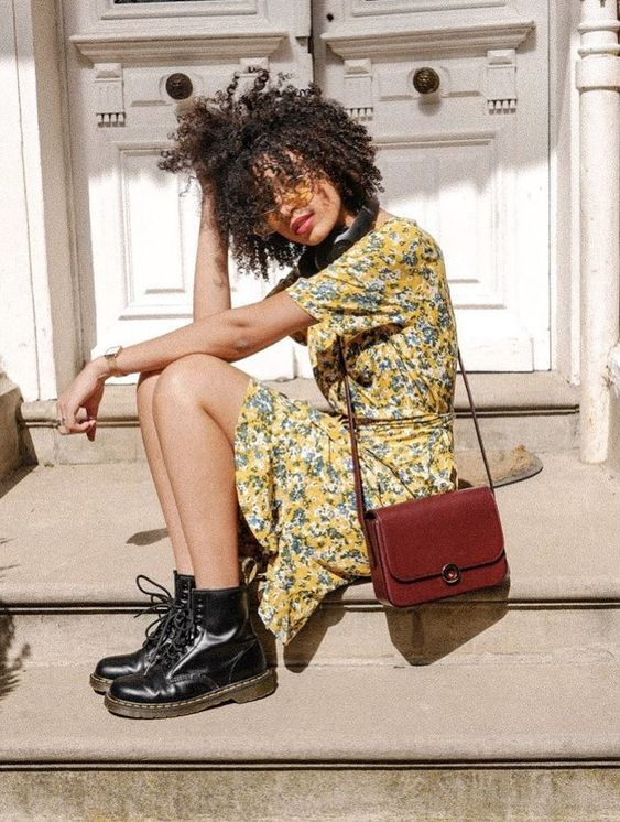 strutting my style_shoes 2019_gabriela peegrina_dr martens_vintage.jpg