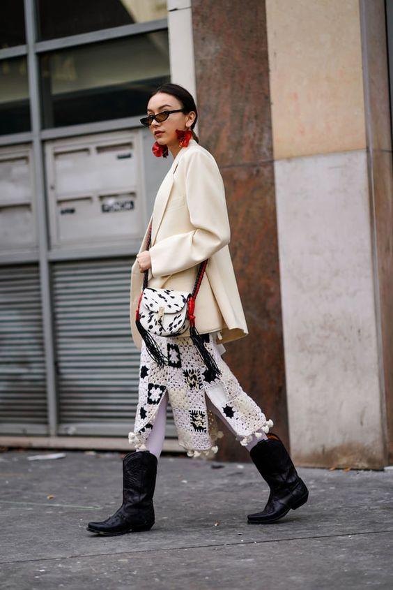 Gabriela Peregrina_strutting my style_shoes 2019_western vibes_cowboy boots.jpg