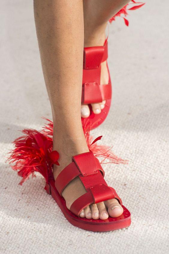 Gabriela Peregrina_strutting my style_shoes 2019_feathers.jpg