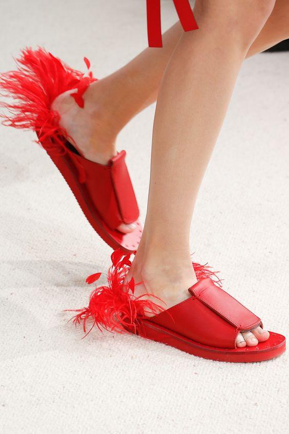 Gabriela Peregrina_strutting my style_shoes 2019_feathers_valentino.jpg