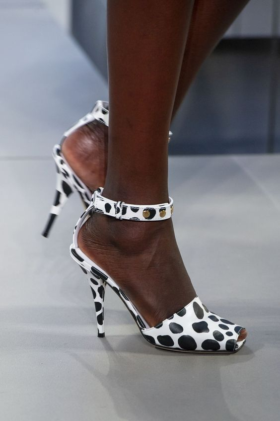Gabriela Peregrina_strutting my style_shoes 2019_cow print_animal.jpg