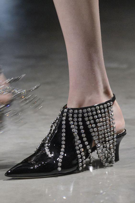 gabriela peregrina_strutting my style_shoes 2019_glitter_fashion_shoes.jpg