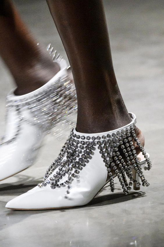 gabriela peregrina_strutting my style_shoes 2019_glitter_fashion.jpg