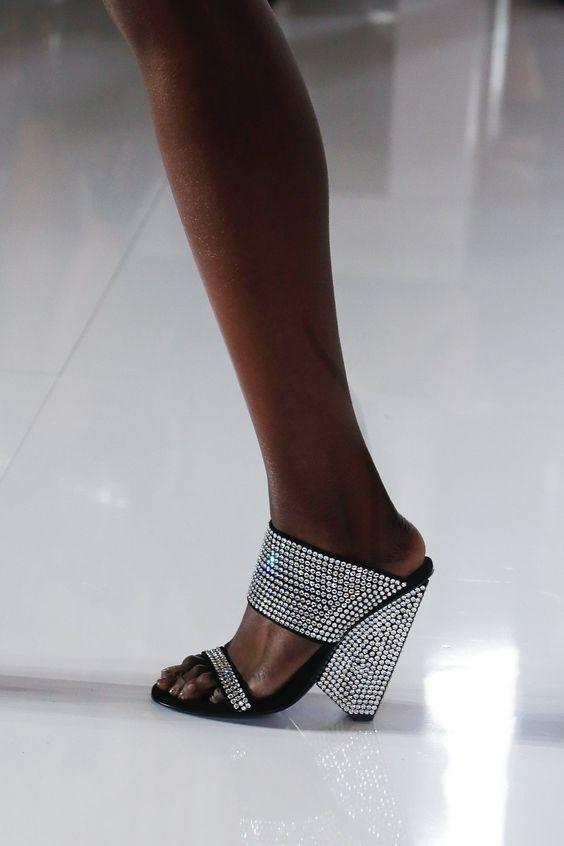 gabriela peregrina_strutting my style_shoes 2019_glitter_style.jpg