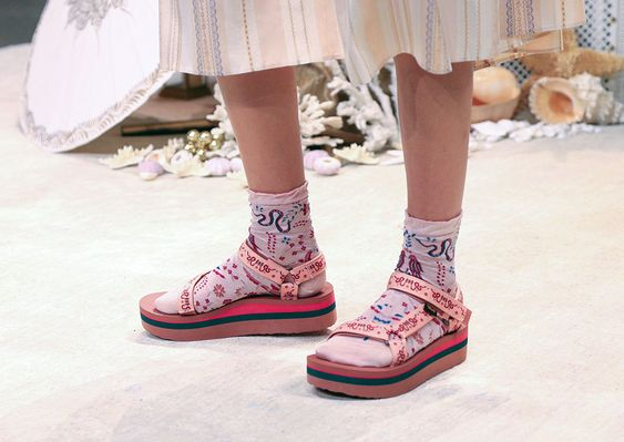 gabriela peregrina_strutting my style_teva inspired sandals_style.jpg