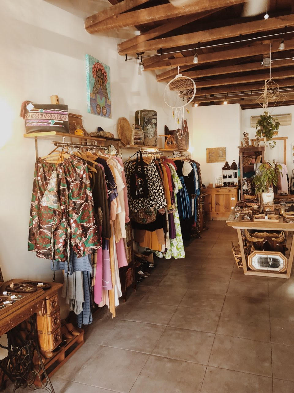 - How to shop for vintage online