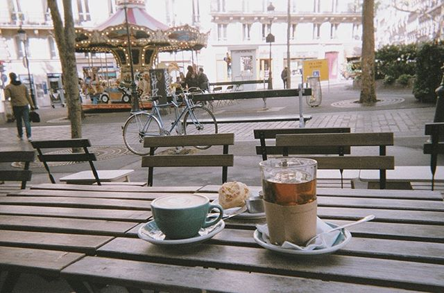 Kinda down to keep building a life by the sea in CA... Also kinda very down to book a one way, work at a local café & wander around these charming streets forever 〰️ Paris, je t'aime✨