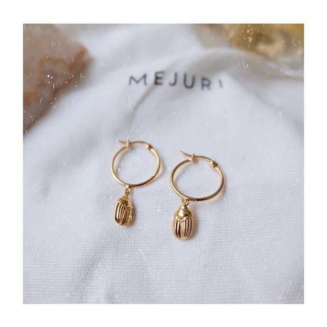 ⚡️Drip drip 💫 〰️ The Menarie collection symbolizes protection, creativity and rebirth to attract prosperity • Available now #Mejuri #MejuriPartner