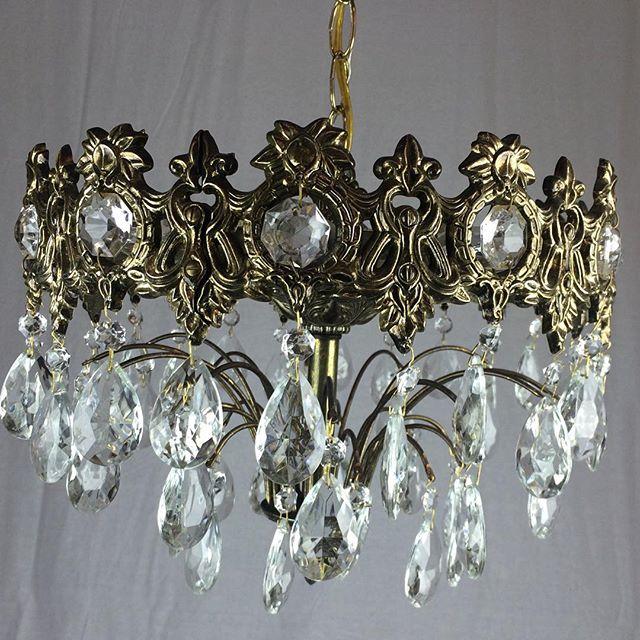 Retro 1970 chandelier  #midcenturylights #vintagelight #vintage #oldlightfixture #midcenturychandelier #crystalchandelier