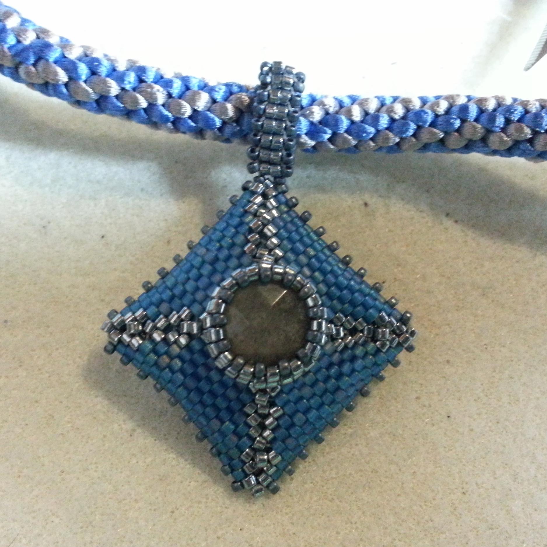 shaped peyote pendant labradorite and kumi.jpg