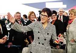 2018 12 07 AKK wird CDU Vorsitzende mit BCL und CS Ü-1.jpg