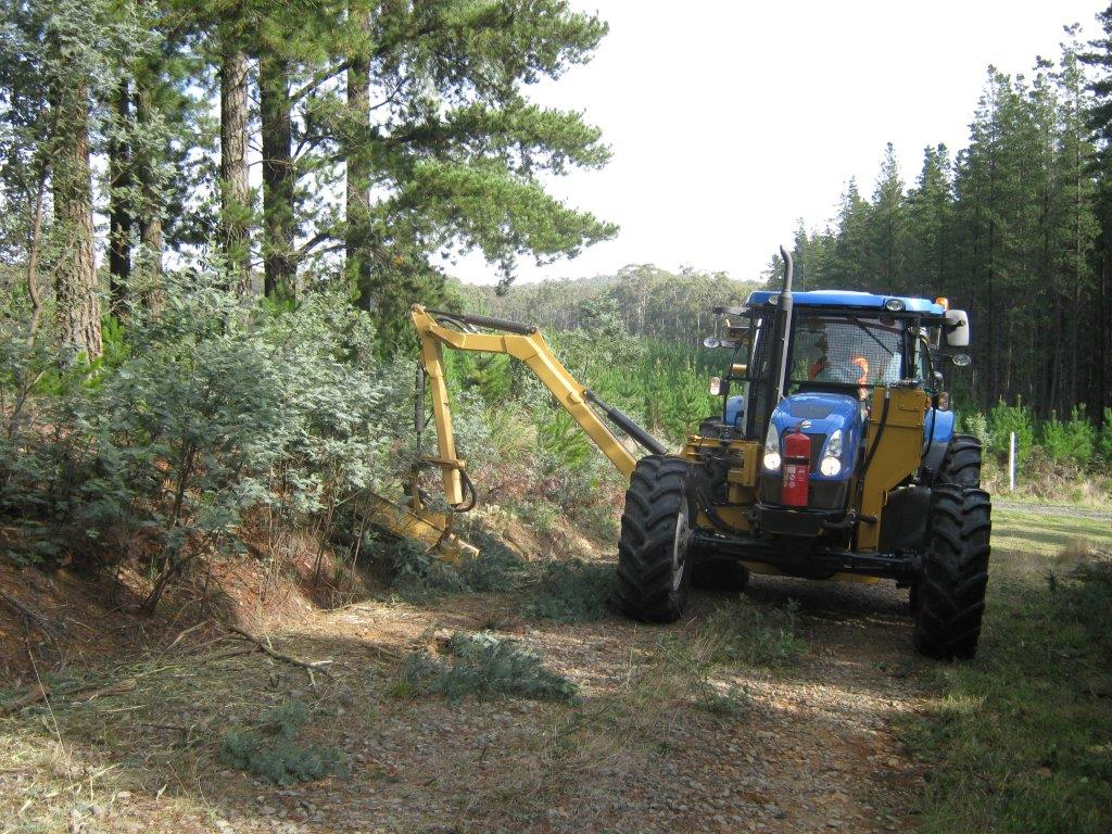 Ecoblade Reach-Arm is used extensively by HVP Plantations to maintain their plantation road edges.