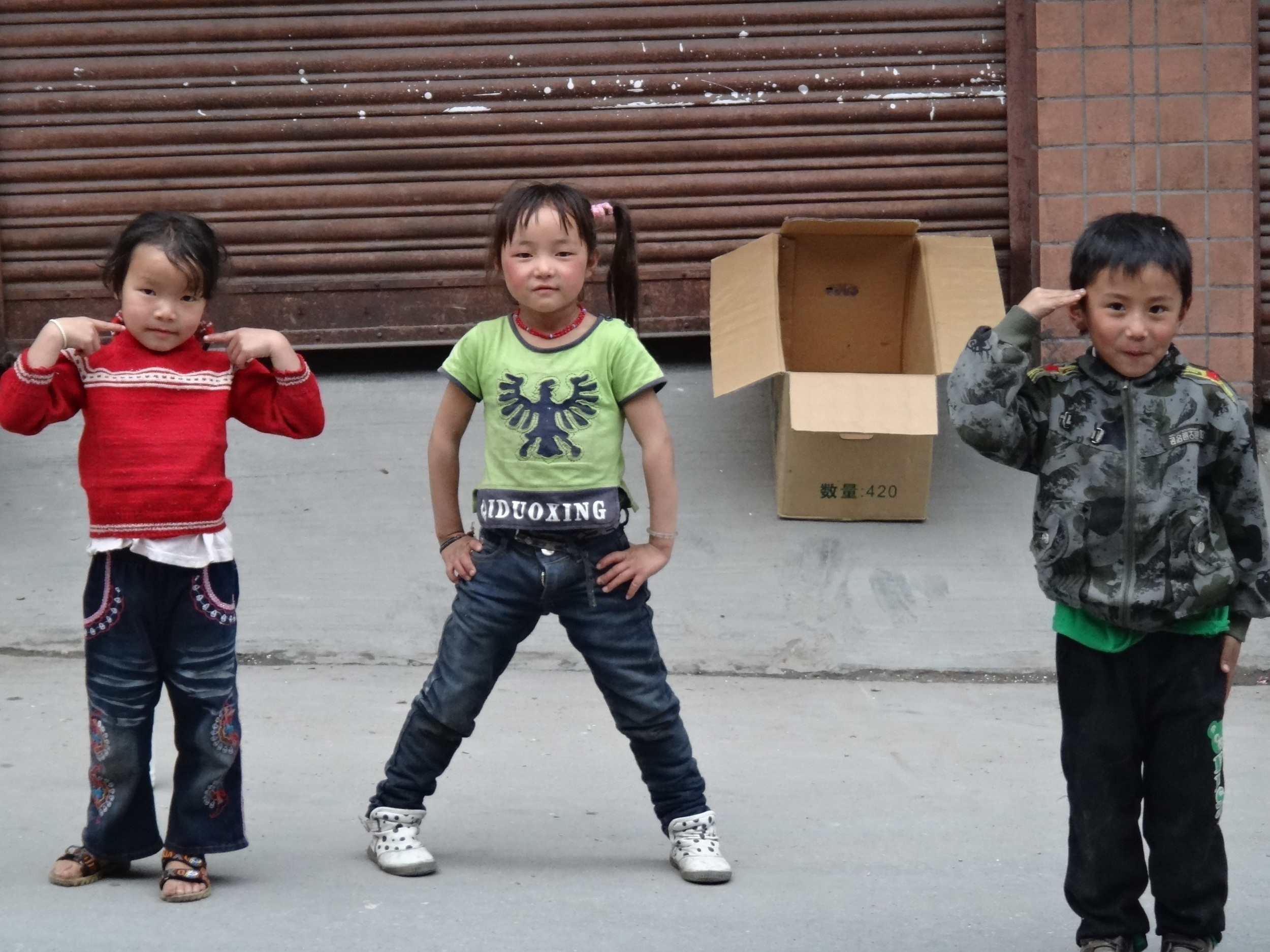 Kids in the border town of Zhangmu
