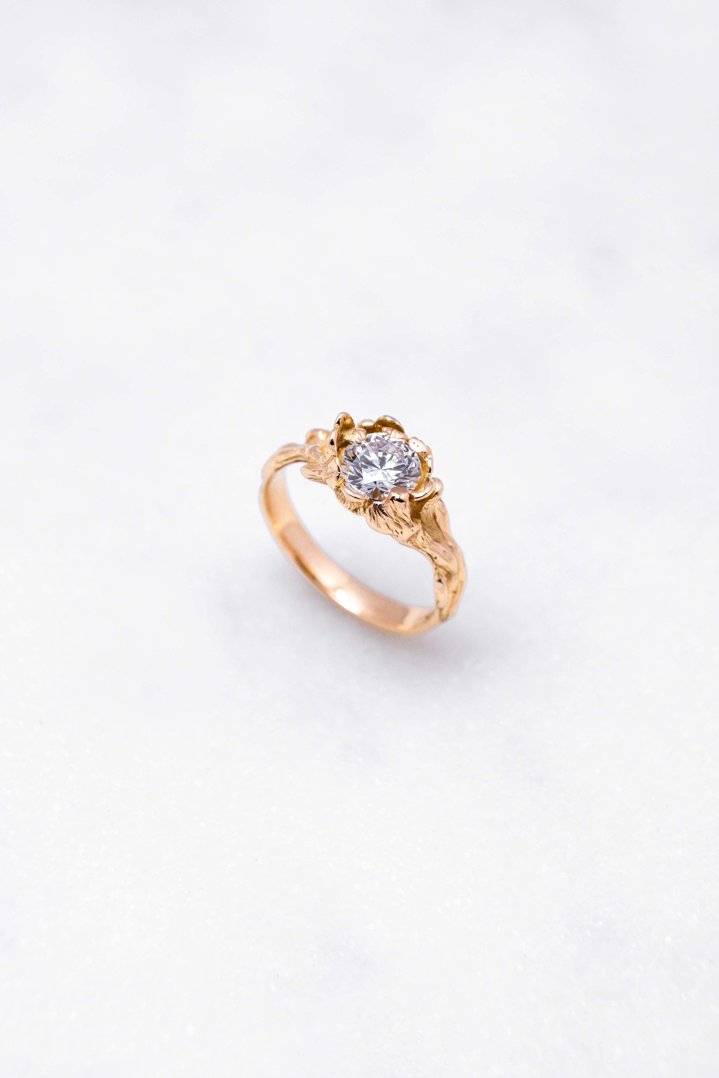 gold-ring-diamond-orphea-the-black-alchemy-6.jpg