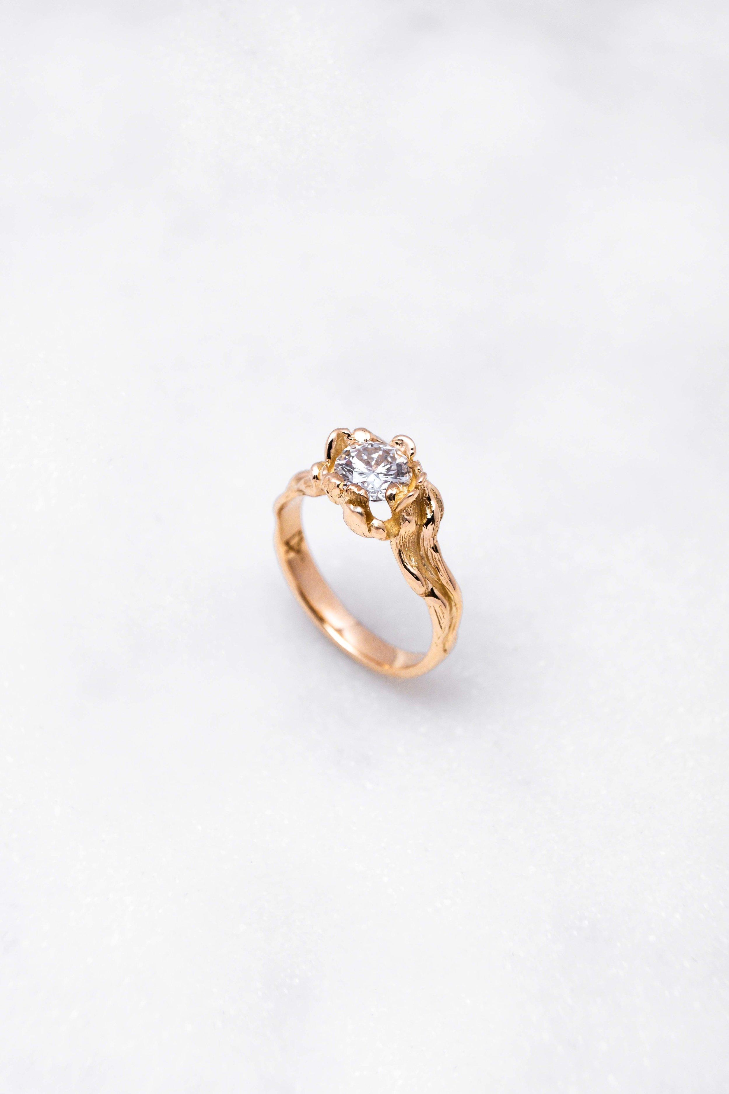 gold-ring-diamond-orphea-the-black-alchemy-10.jpg