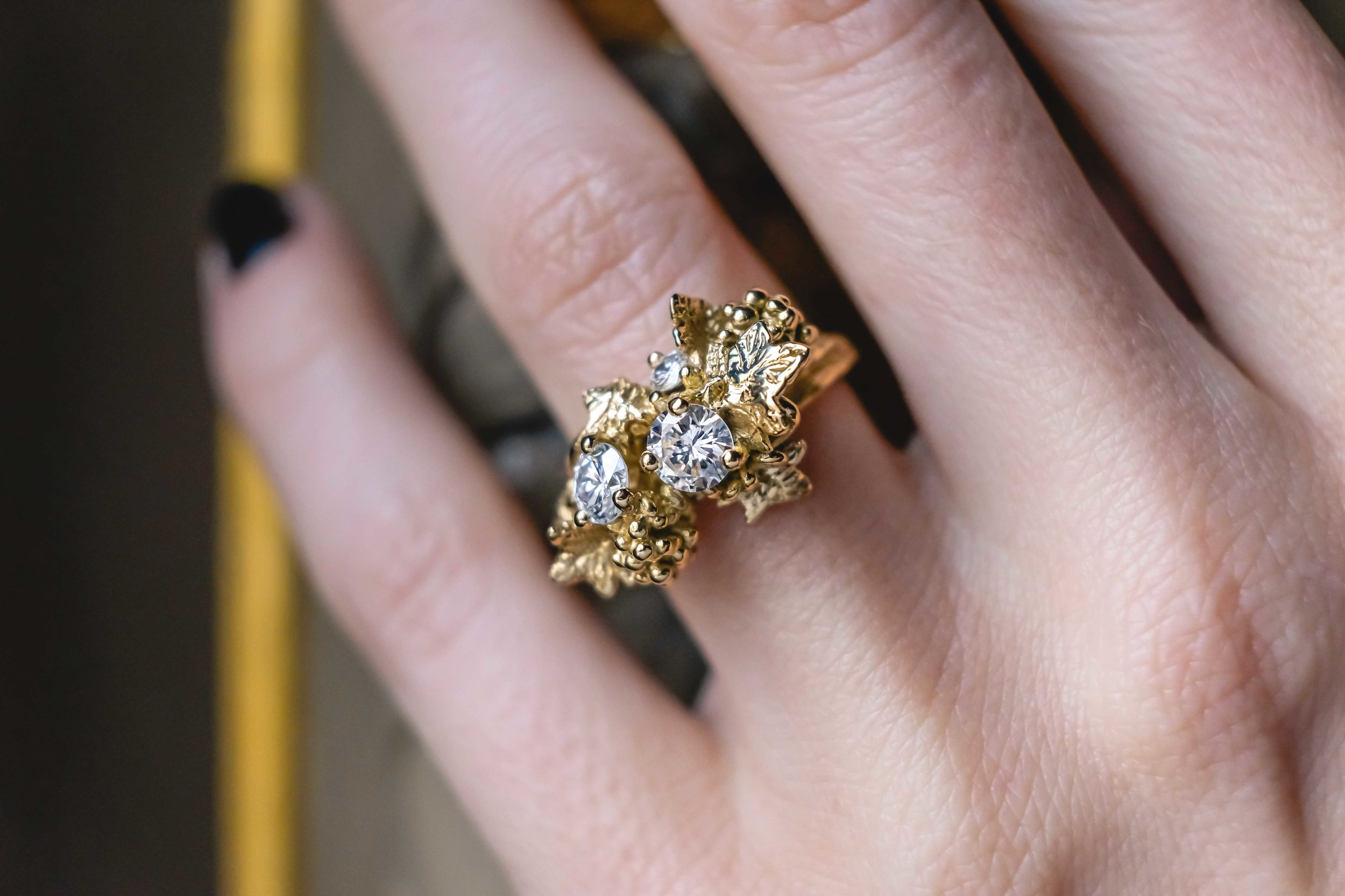 black-alchemy-ring-gold-diamonds-vitis-3-2.jpg