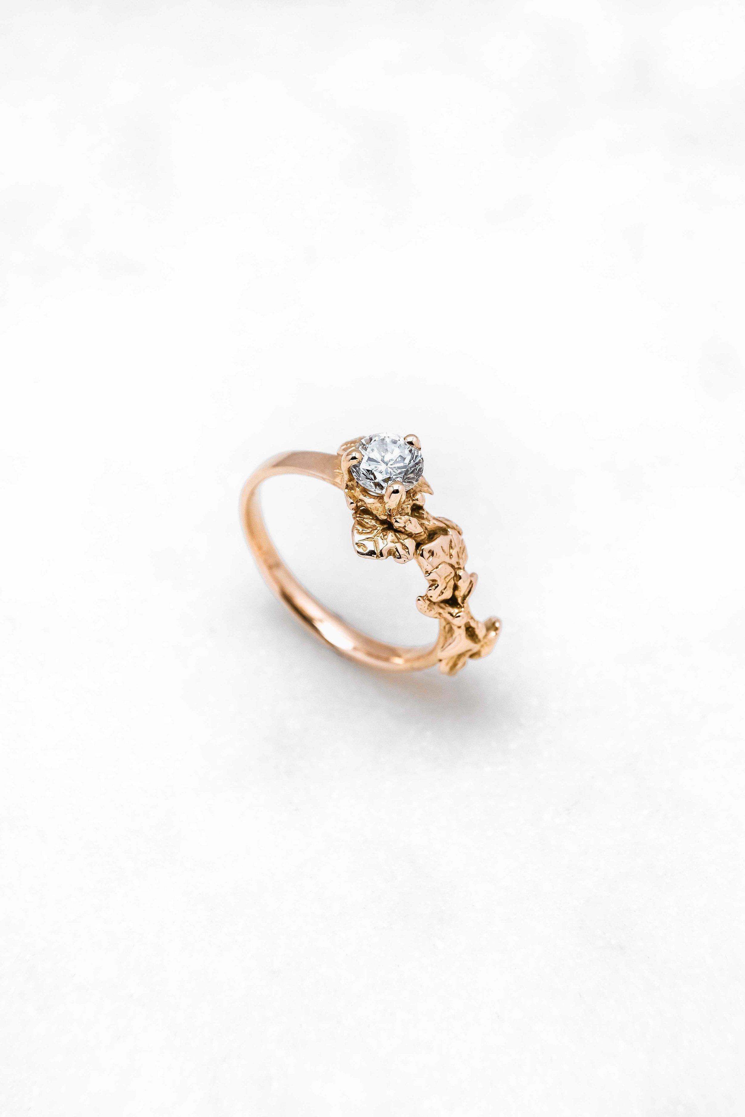 black-alchemy-rings-vinea-gold-diamond-2.jpg