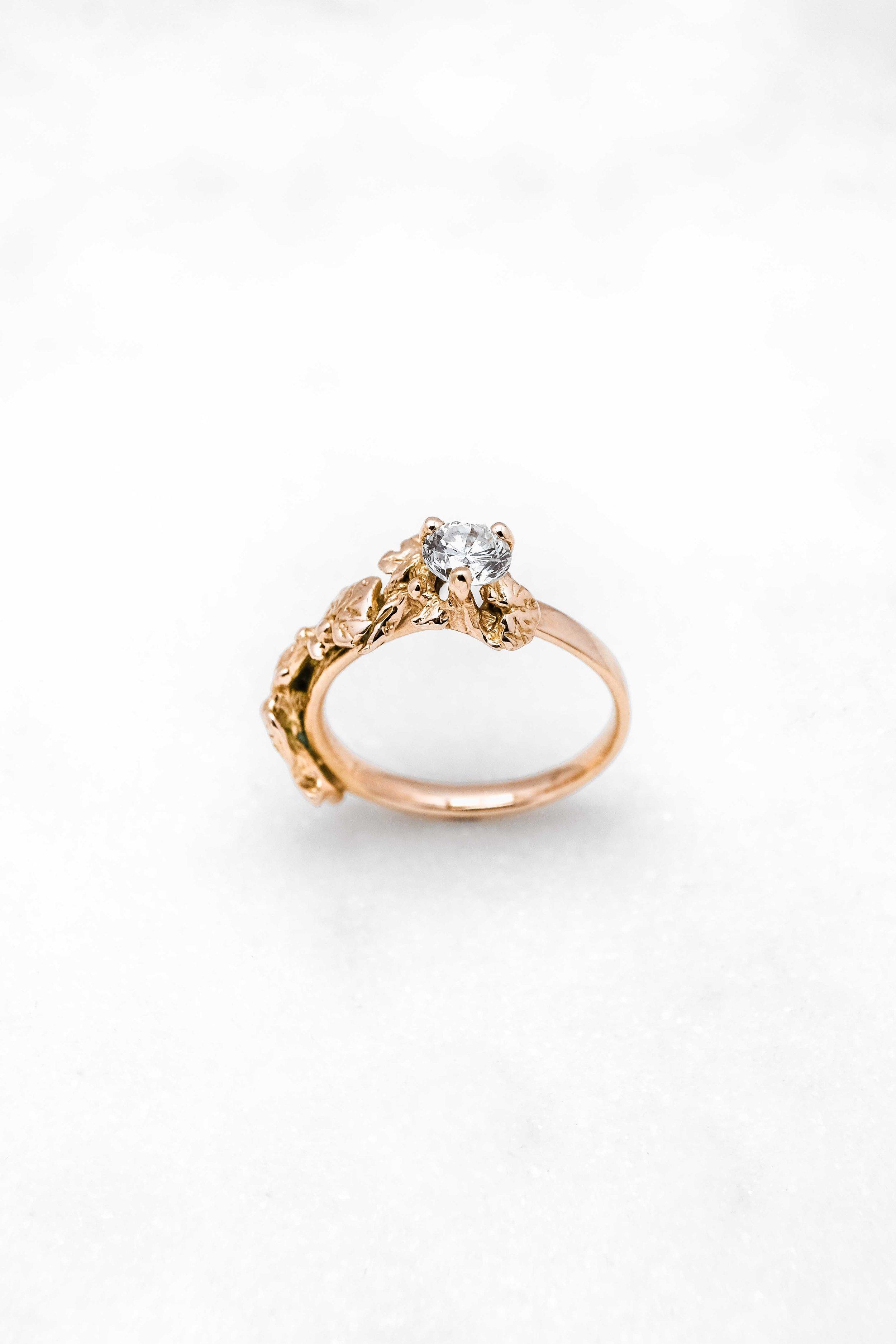 black-alchemy-rings-vinea-gold-diamond-3.jpg