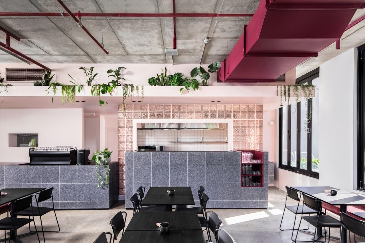pinkie's cafe