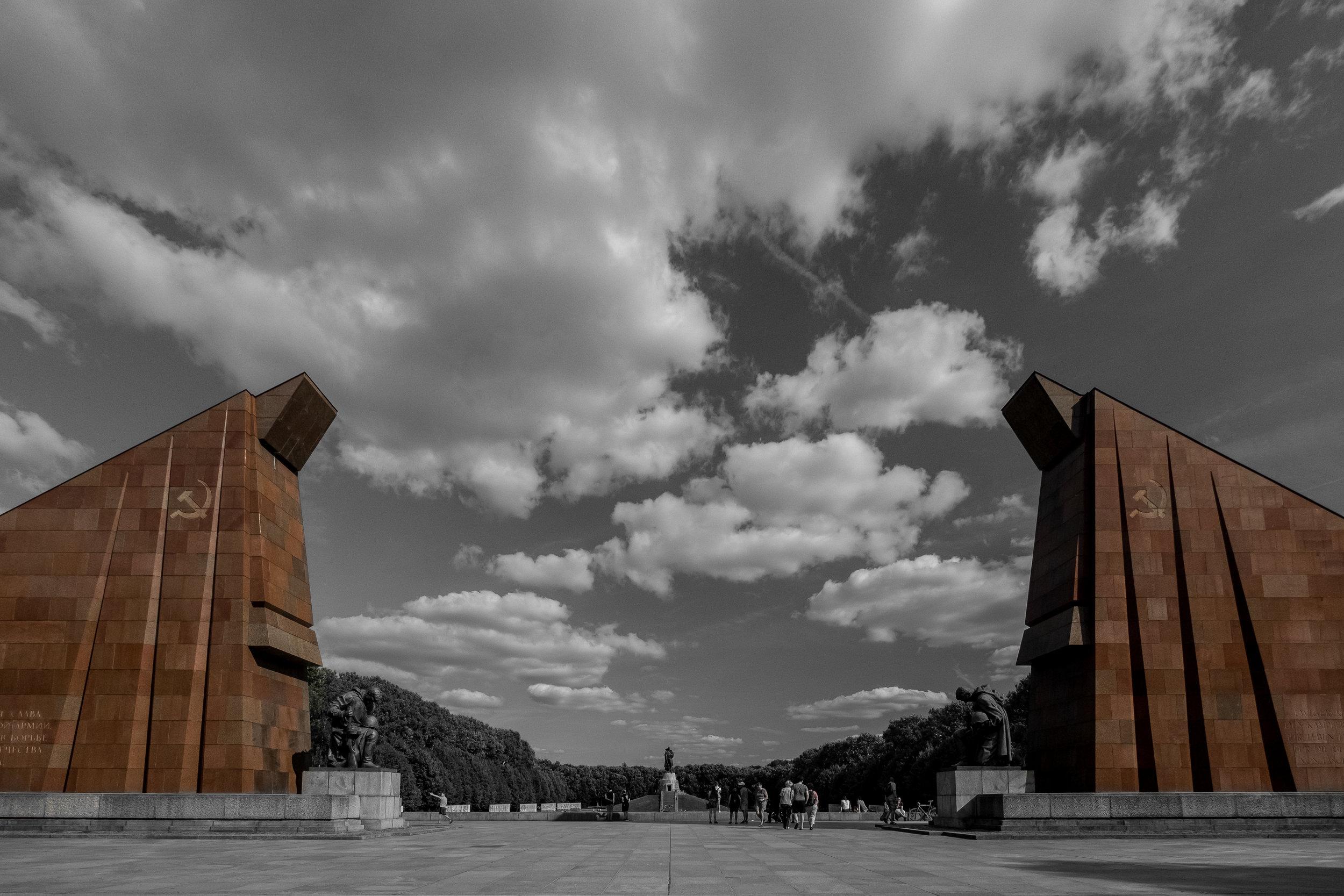 treptower-park-memorial-close-up