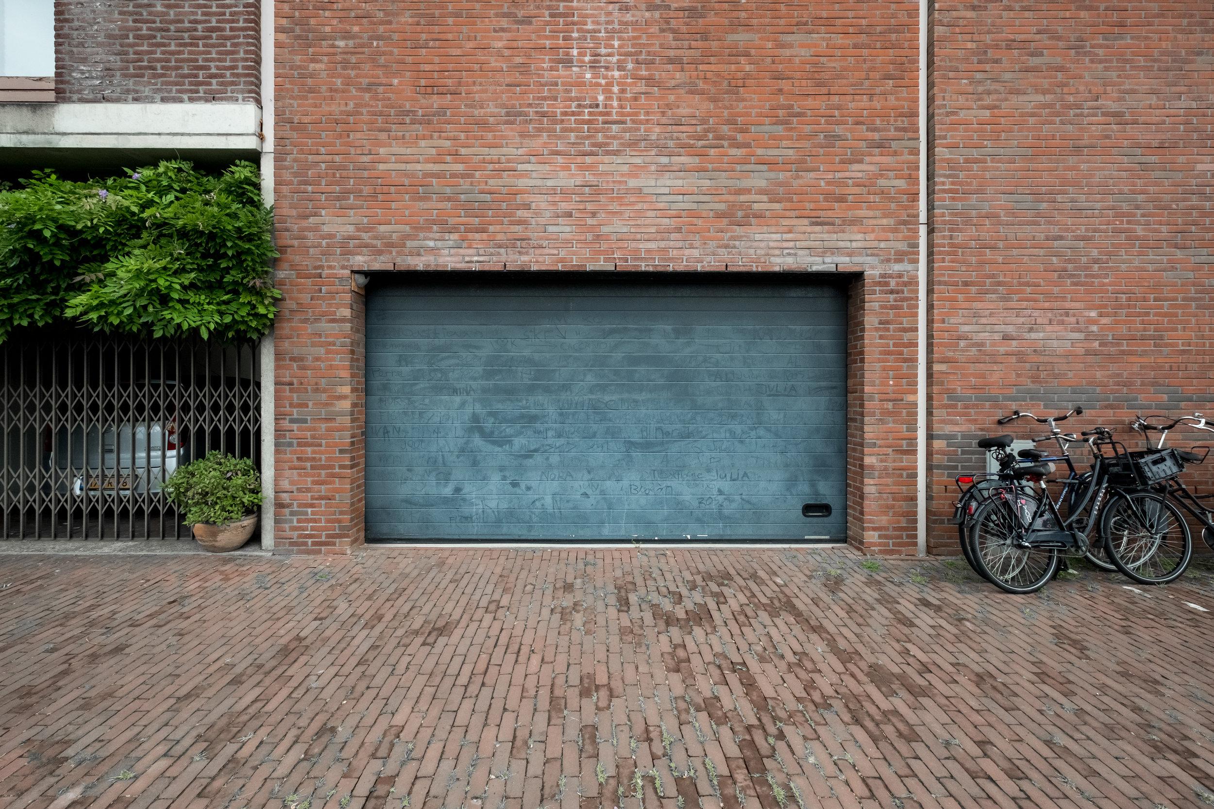 Panamakade Garage Door