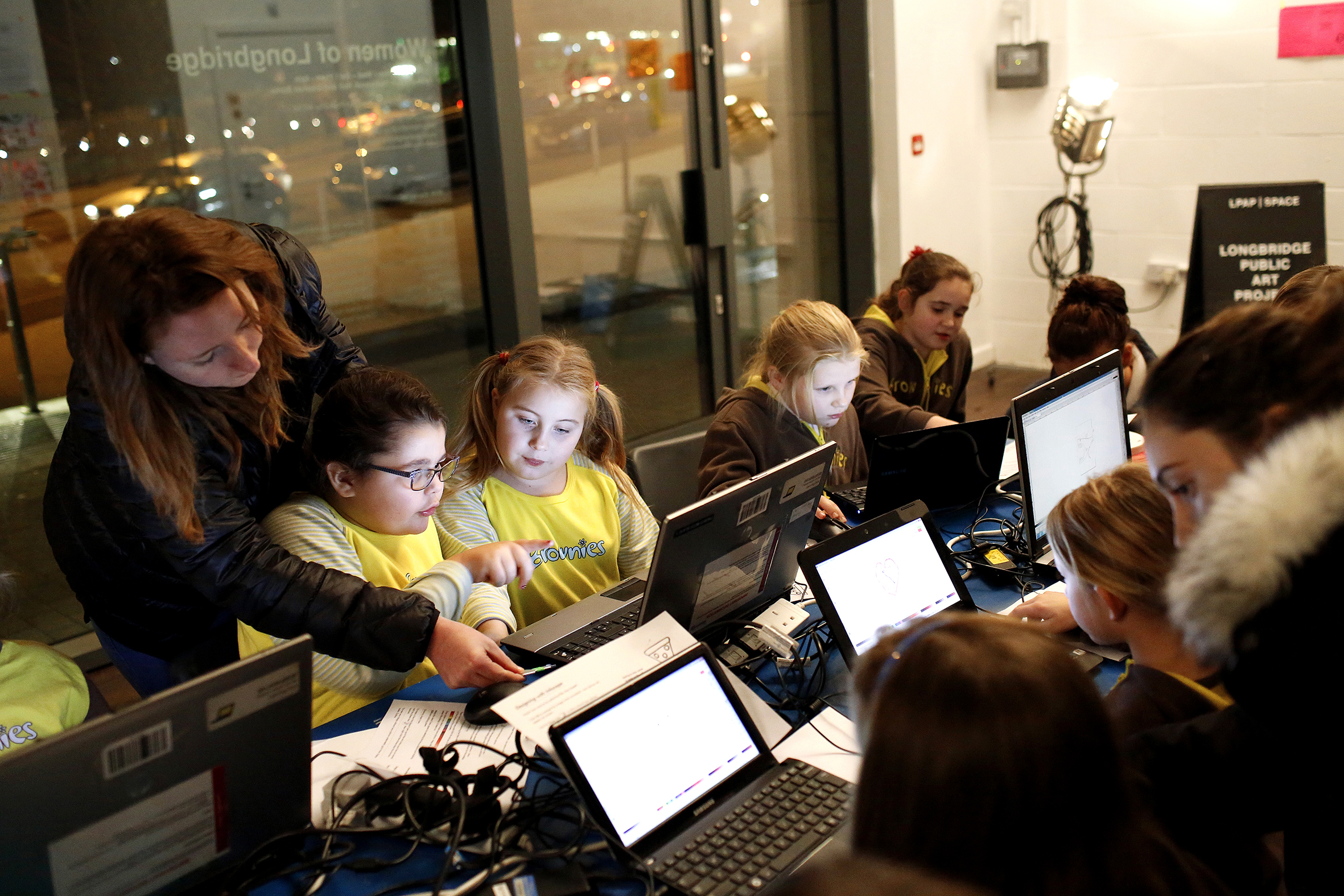 Digital Longbridge workshop with the Birmingham 271st Brownies