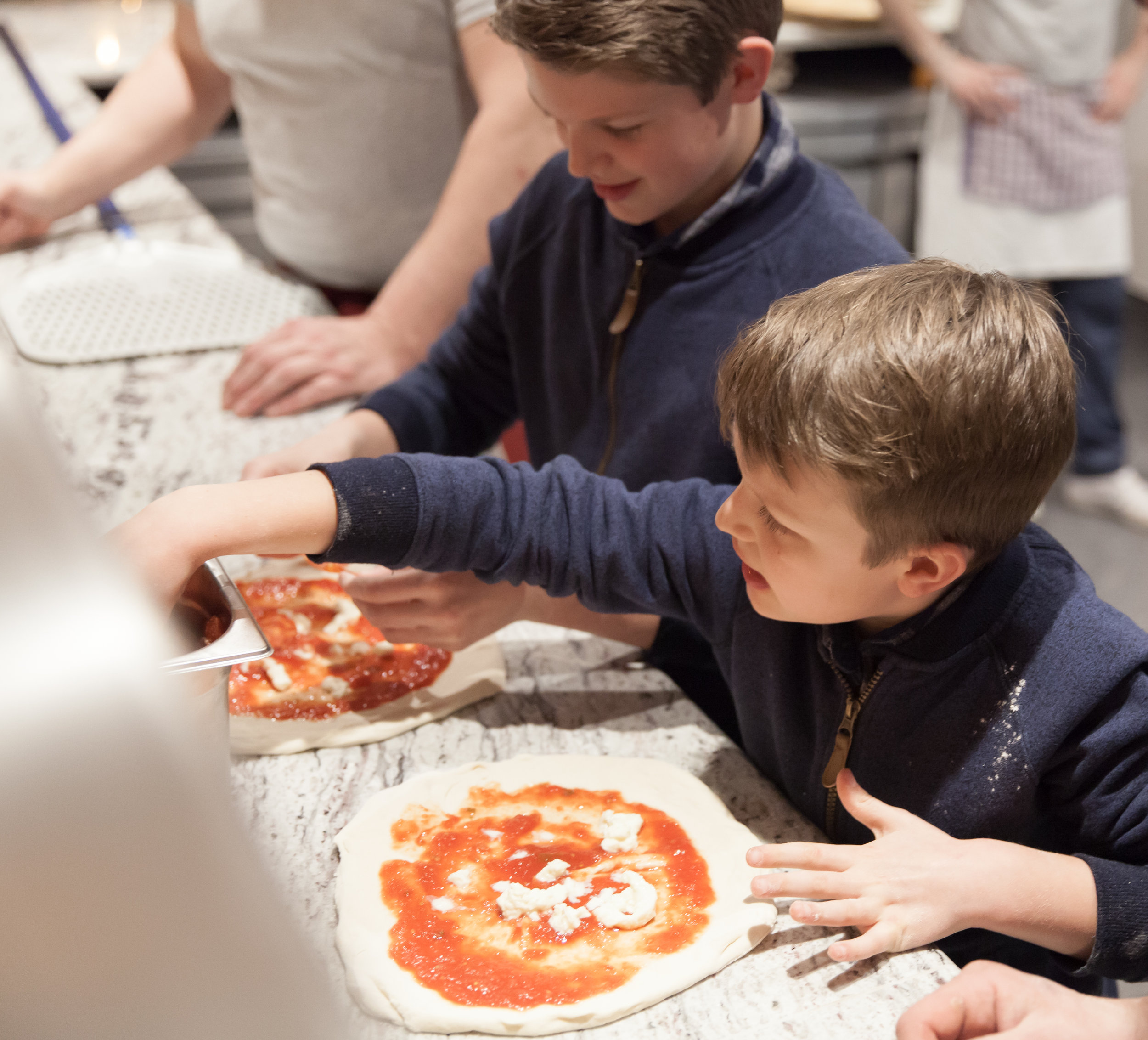 kids_pizza_making.jpg