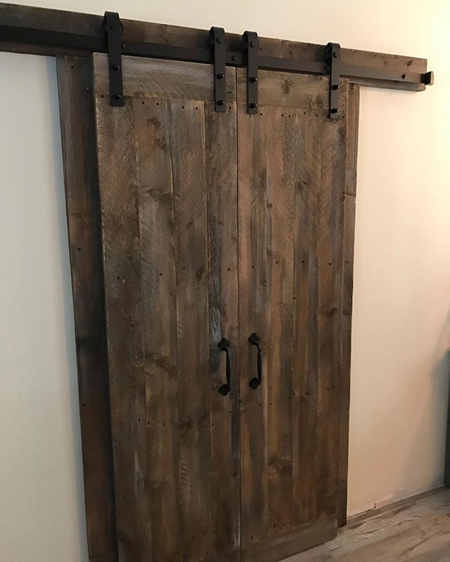 Check out our latest custom build - these beautiful barn doors! 😍 Barn doors are a great option when traditional swing doors won't quite fit, and even if they would - barn doors make a nicer statement! ⠀ .⠀ .⠀ .⠀ #villageofthearts #barndoors #barndoor #slidingdoor #woodwork #handmade #customtable #handcrafted #furniture #oneofakind #interiordesign #homedesign #Customfurniture #statementpiece #srq #bradenton #lakewoodranch #sarasota #customhome #farmhouseinspired  #shopsmall #shopsmallbusiness #shopsmallsrq #shopsmallbradenton #shoplocal #foresttofinish #forest2finish #f2f #f2fdesigns #foresttofinishdesigns
