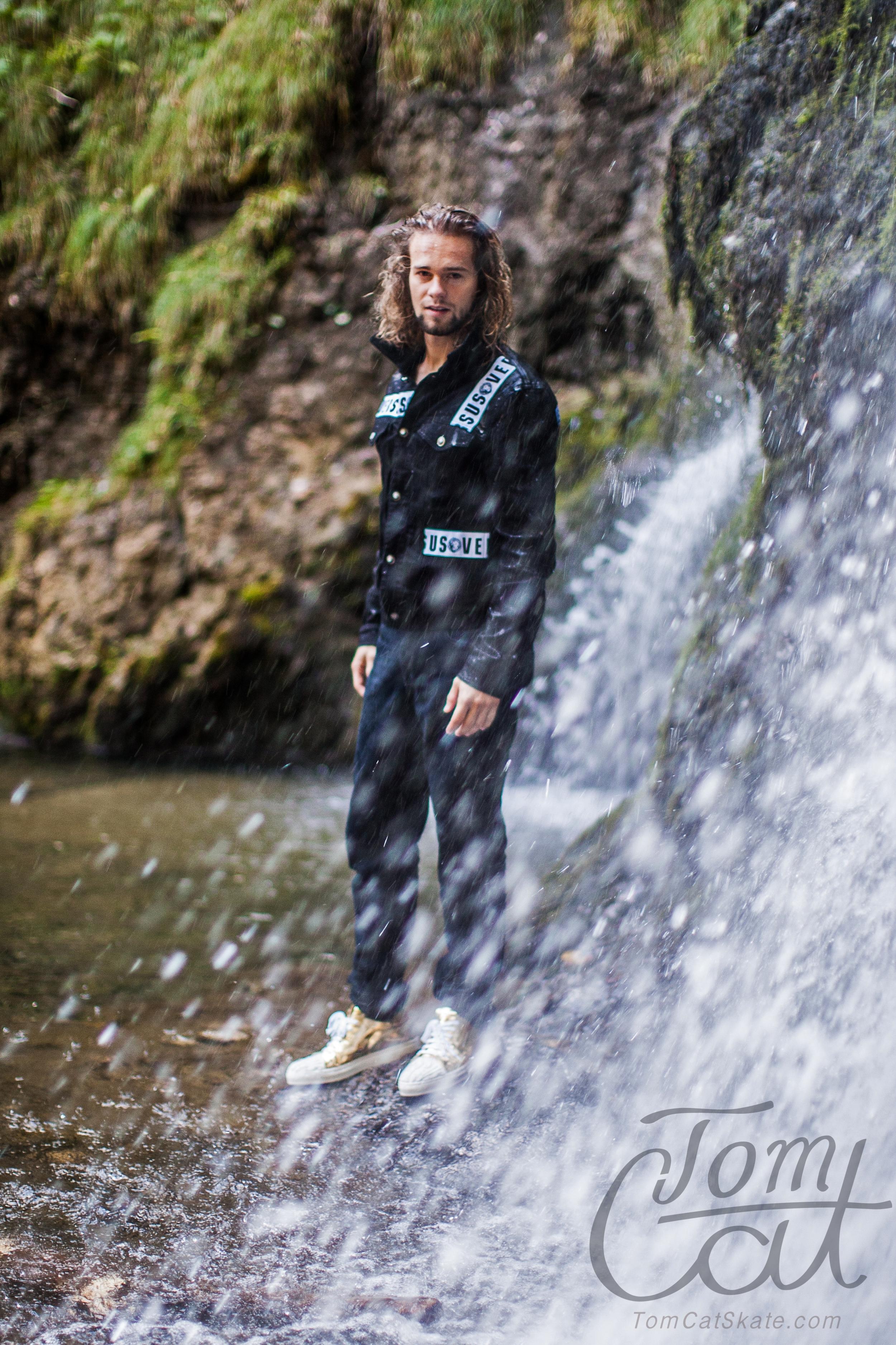 Waterfall Male Model Tom Cat Skater Jens Schuhmann Photo