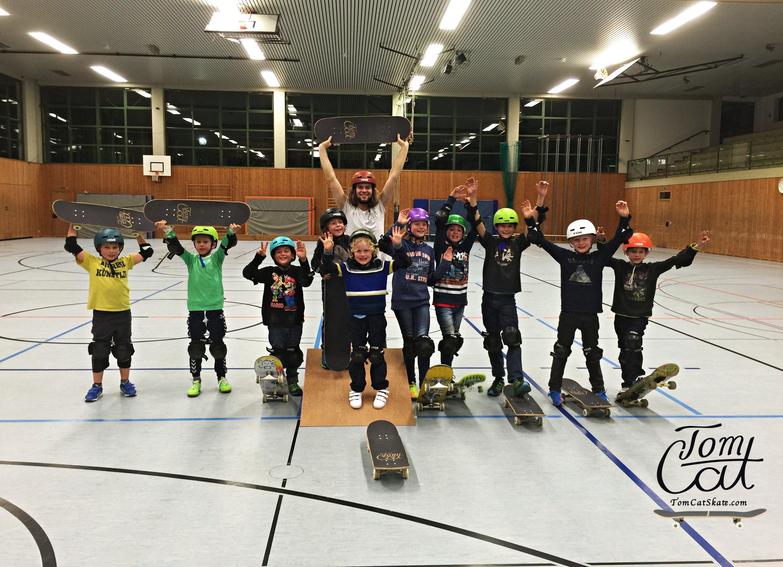 Kinder Geburtstagsfeier Bad Tölz, Lenggries, München Landsberg, Holzkirchen, Tegernseer, GrünwaldSkatekurs-München-Bad-Tölz-Skaten-lernen-München-Skateboard-fahren-lernen-skateboardkurs-für-Anfänger-TomCatSkate.com 2.JPG