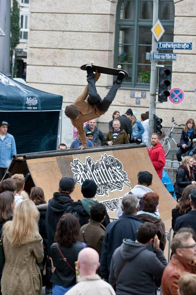 Stuntman München Skateboard Stunman Tom cat.JPG