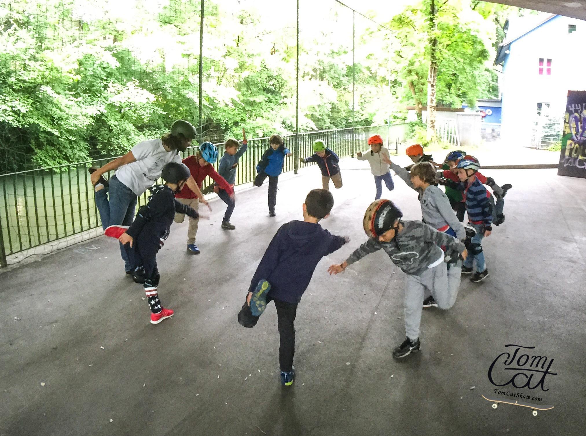 Skateboardkurs München Skatekurs München Longboardkurs für Anfänger und Fortgeschrittene Skateprofi Tom Cat Skateboard kaufen Deutschland Skatekurs Geburtstag.JPG