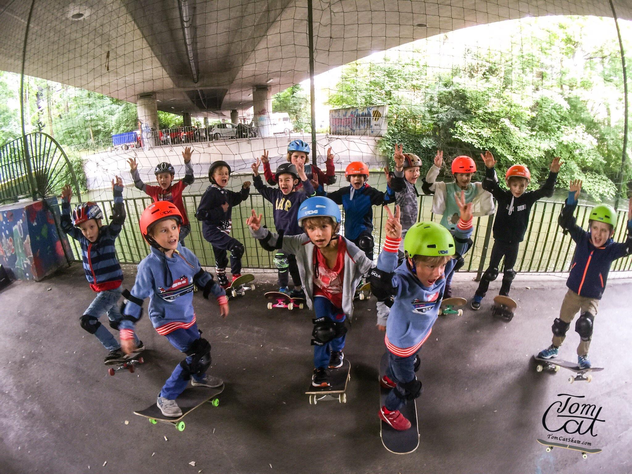 Skateboardkurs München Skatekurs München Longboardkurs für Anfänger und Fortgeschrittene Skateprofi Tom Cat Skateboard kaufen TSG Schoner.JPG