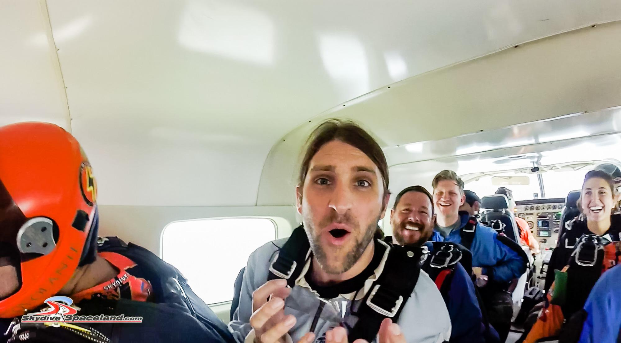 Skydiving Day-Video Screenshots-0010.jpg