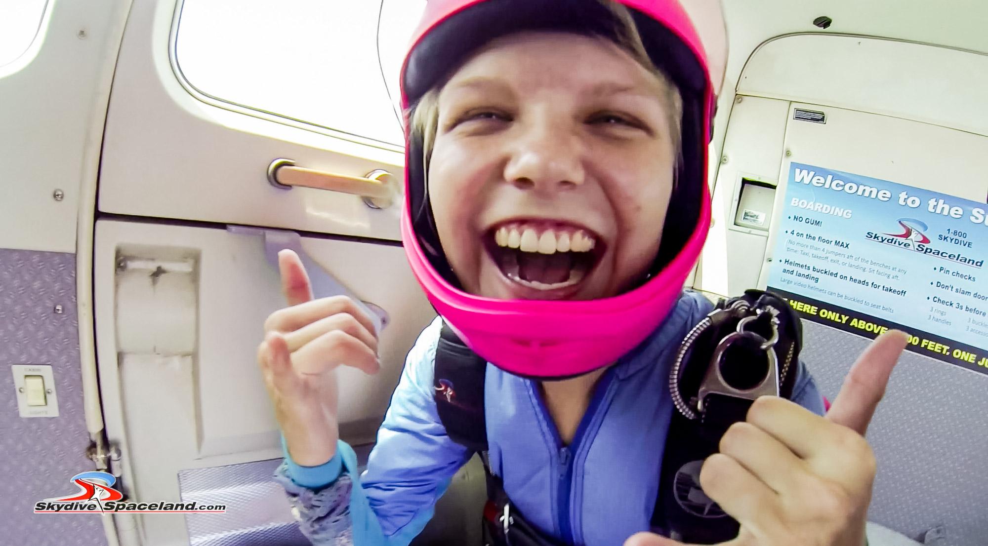 Skydiving Day-Video Screenshots-0012.jpg
