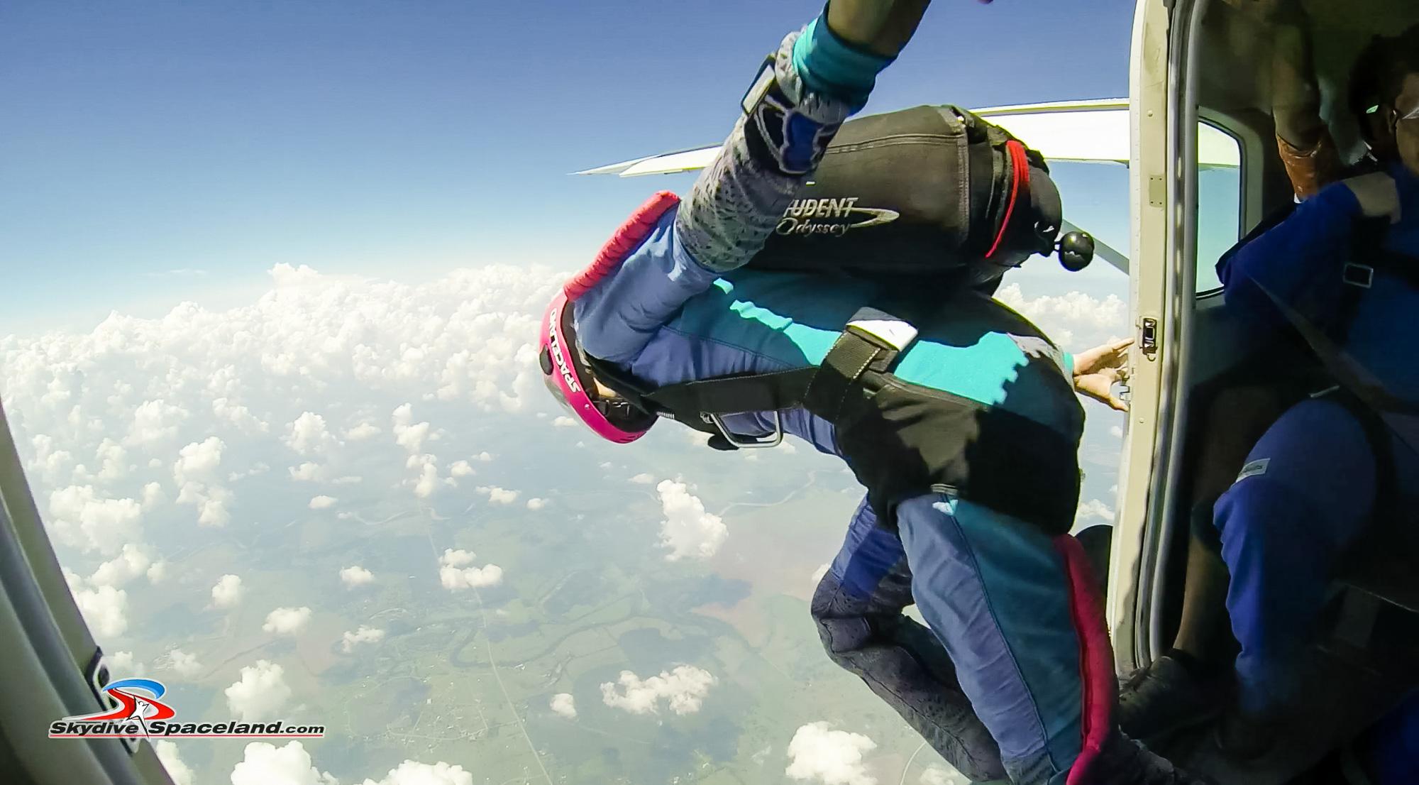 Skydiving Day-Video Screenshots-0016.jpg