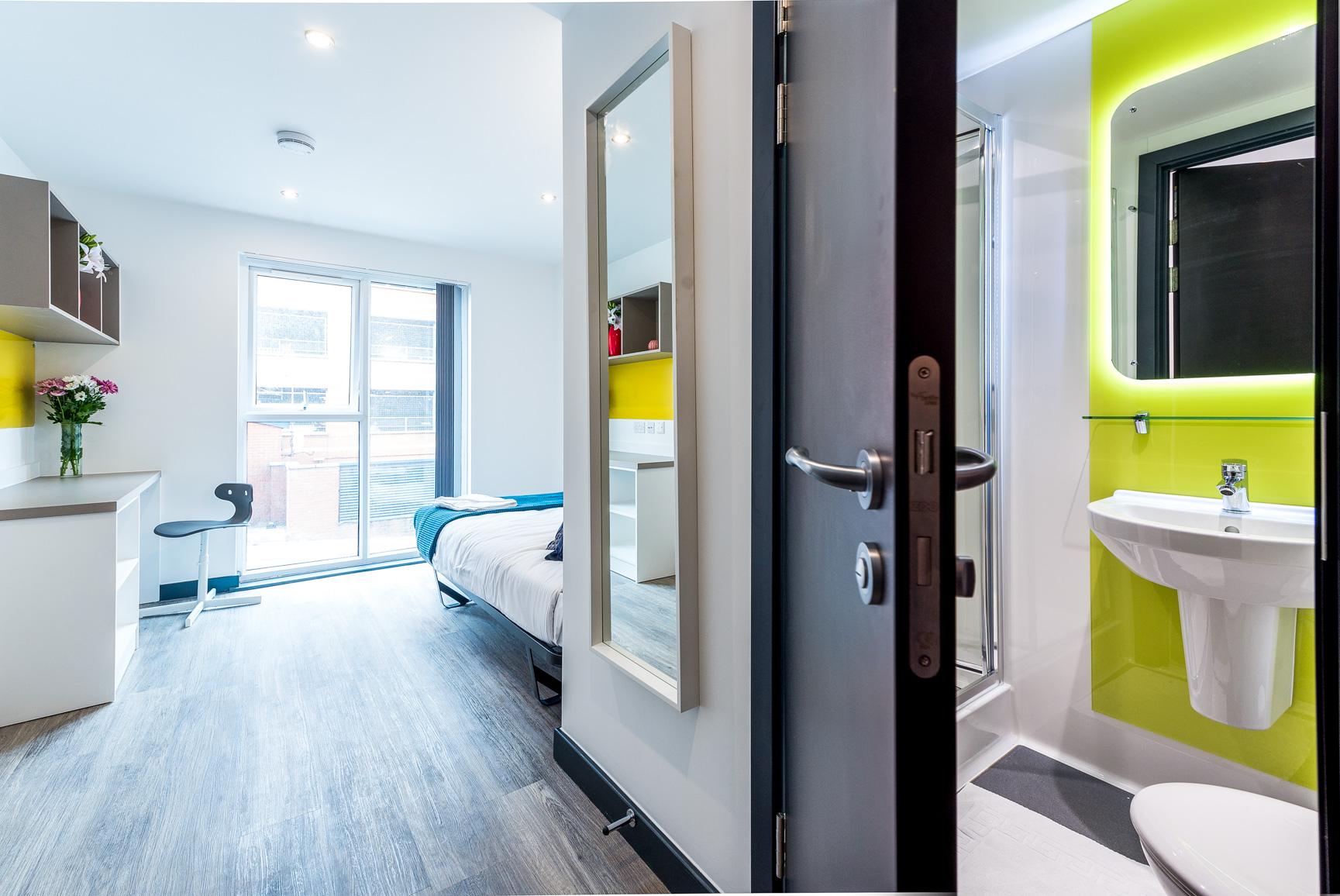 Room (1).jpg
