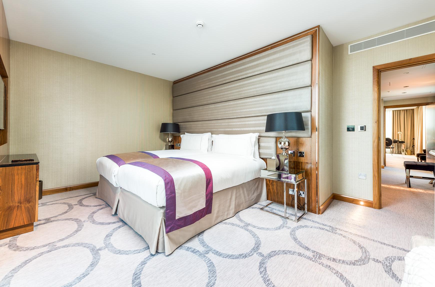 1706 Penthouse suite-1 (16).jpg