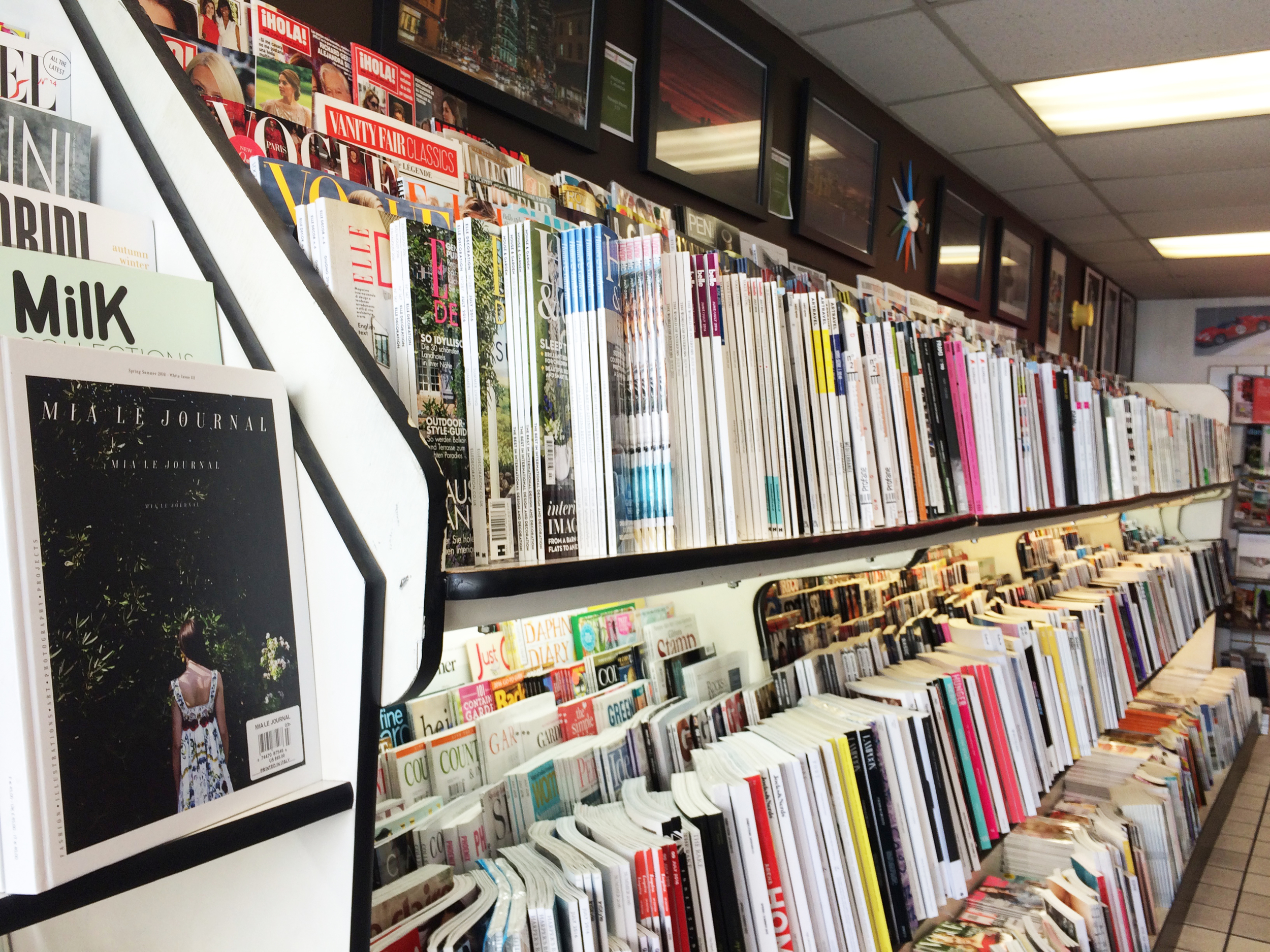 Magazines at Smoke Signals on Polk!