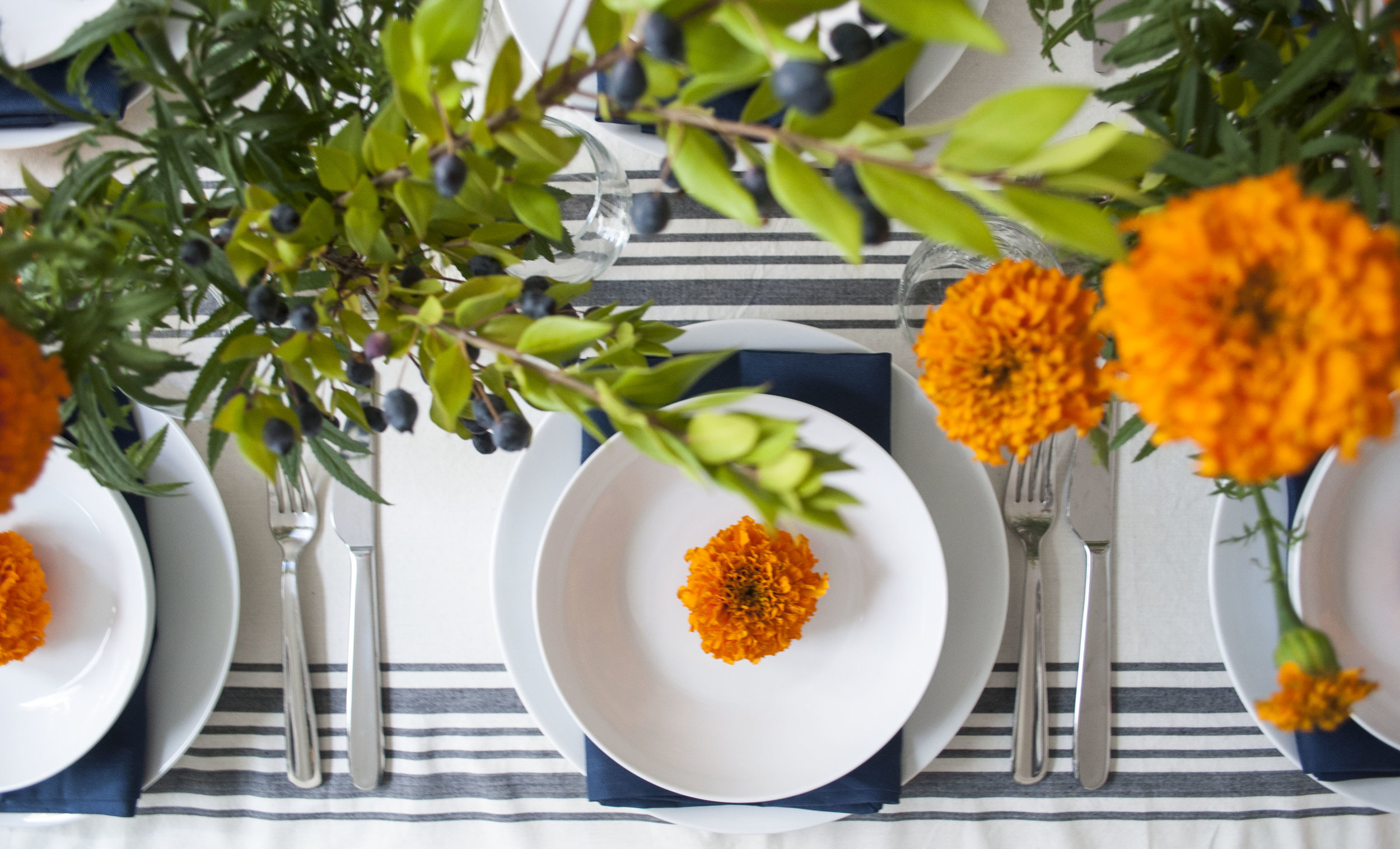 table inspiration fall party