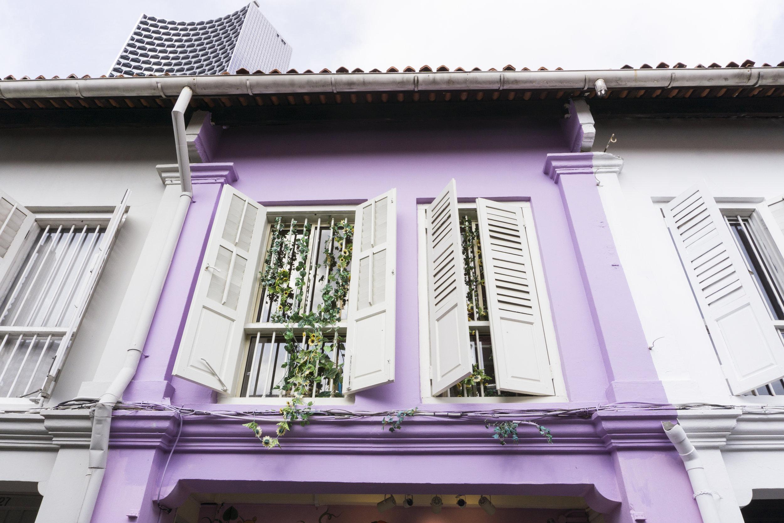 colorful buildings in singapore haji lane