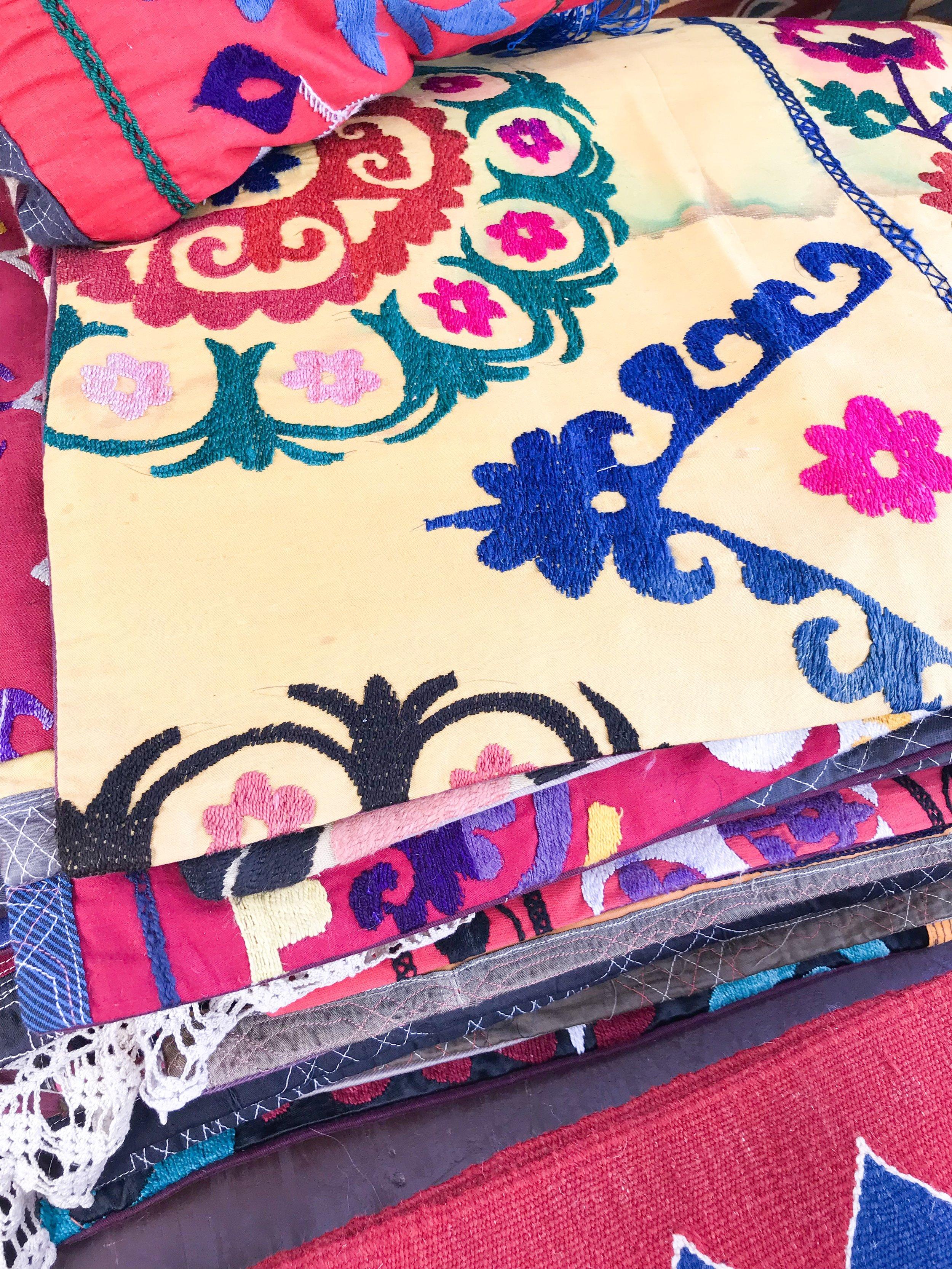 vintage textiles flea market